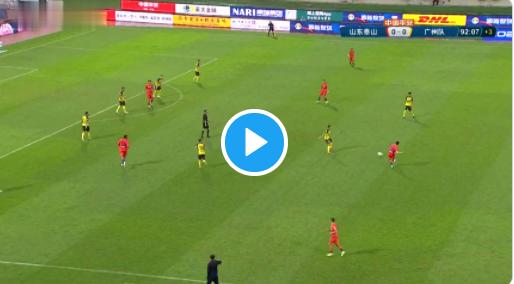 GOAL! Fellaini maakt het verschil met winning goal in minuut 93