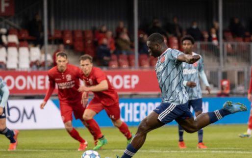 Afbeelding: Buitenspel: Almere City feliciteert Ajax op ludieke wijze met landstitel