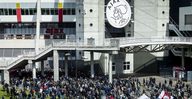 Ajax reageert op kritiek: 'Beter dan spelers verplichten om binnen te blijven'
