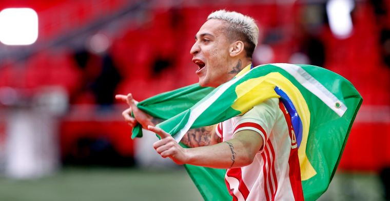 Antony openhartig over Ajax-debuutseizoen: 'Ik heb een nieuwe familie ontdekt'