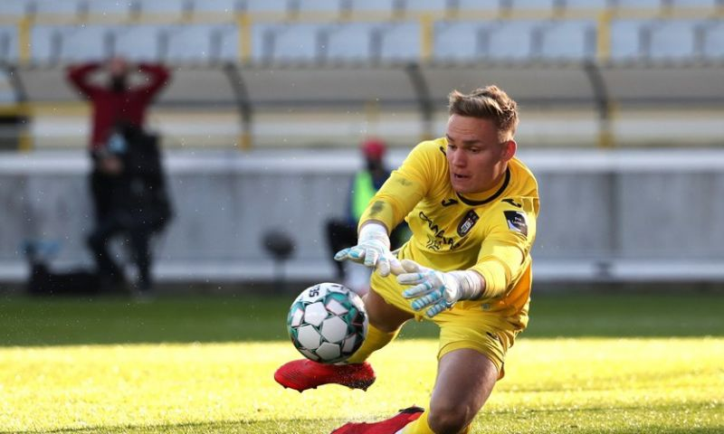 Afbeelding: Kompany kiest voor Verbruggen: 'Clubs staan te springen voor zo'n doelman'
