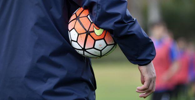 Hoop voor amateurvoetbal? Ik wil het verbod opnieuw gaan bespreken