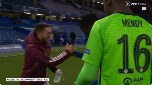 Lachende Hazard gaat viral en maakt zich niet populair bij Real Madrid-fans