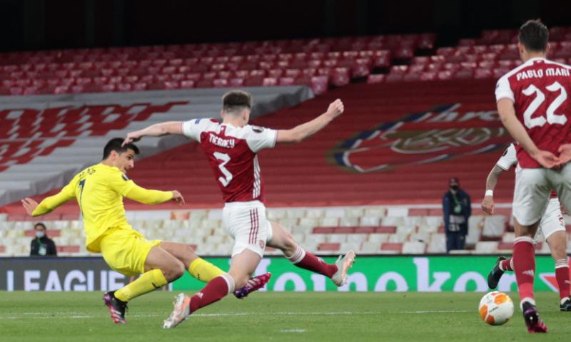 Afbeelding: Villarreal zit gefrustreerd Arsenal dwars en gaat voor het eerst naar de finale