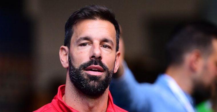 Van Nistelrooy spoort PSV aan: 'De volgende stap is een tribune van het stadion'