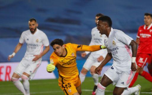 VAR grijpt hoofdrol in bizarre titelstrijd: Hazard scoort in slot voor Real Madrid