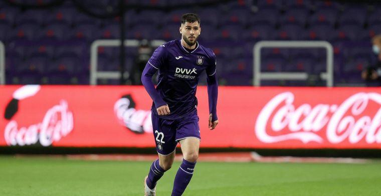Anderlecht-verdediger Cobbaut wordt niet gespaard na partij tegen Antwerp