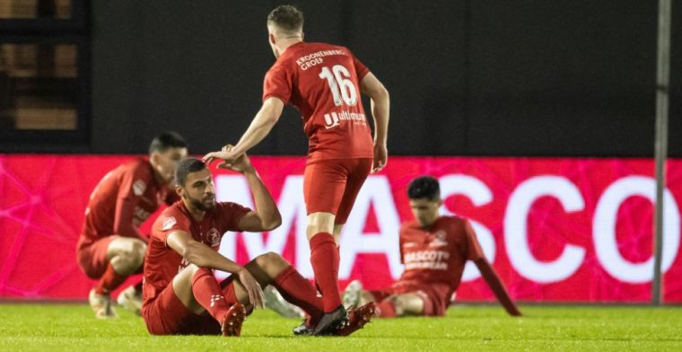 Almere City niet blij met Blom na ruime nederlaag tegen NEC: 'Ongelooflijk'