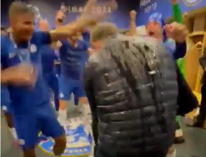 Tuchel door het dolle heen na Champions League-winst Chelsea