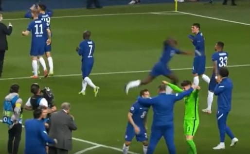Rüdiger krijgt lachers op zijn hand: Chelsea-verdediger vliegt door het beeld