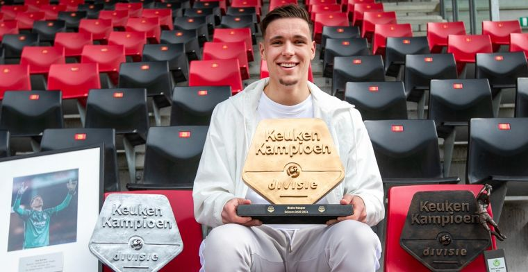 Witte rook uit Amsterdam: Ajax strikt beste keeper van de Keuken Kampioen Divisie