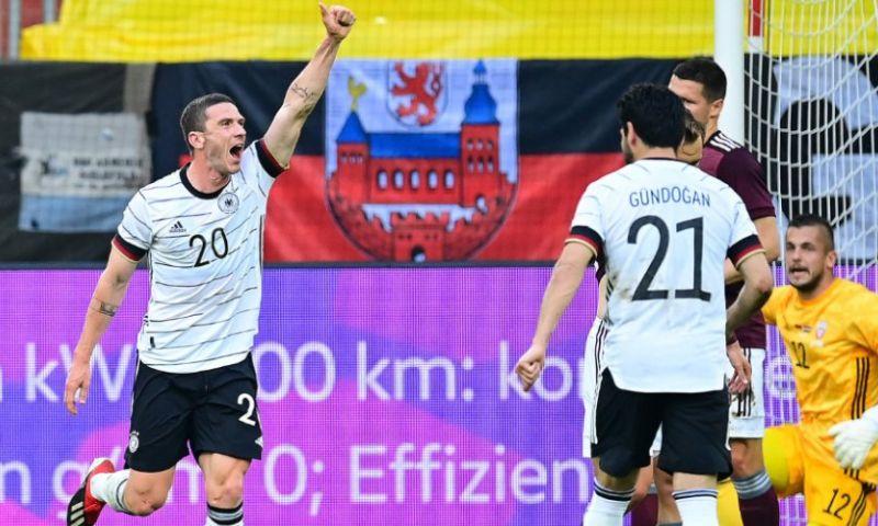 Afbeelding: Gosens, van Dordrecht naar Die Mannschaft: 'Hij scheurt bijna uit zijn shirt'
