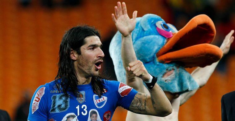 'El Loco' Abreu zet na 31 (!) clubs definitief een punt achter imposante carrière