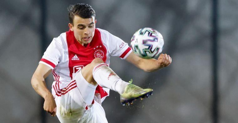 Ajax heeft beet en verlengt contract van Llansana toch nog met twee seizoenen
