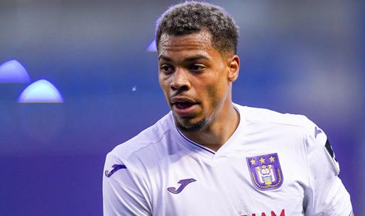 'Club Brugge zet Anderlecht buitenspel en doet miljoenenbod op Nmecha'