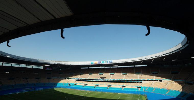 Zorgen om grasmat in Sevilla: 'Voetbalbond volgt situatie nauwgezet op'