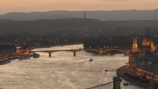 Nederland maakt zich op voor EK-clash: 'The orange wave is taking over Budapest'