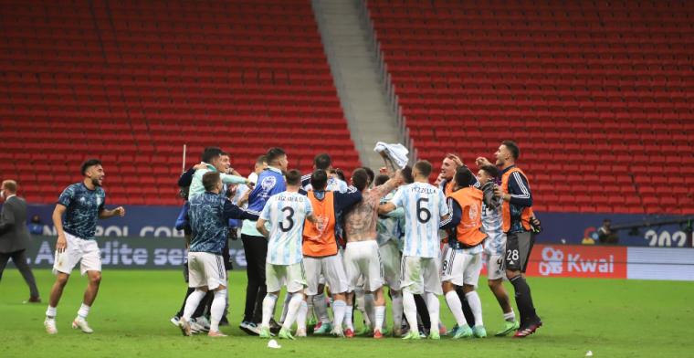 Argentinië stoomt door na strafschoppen en speelt zondag droomfinale