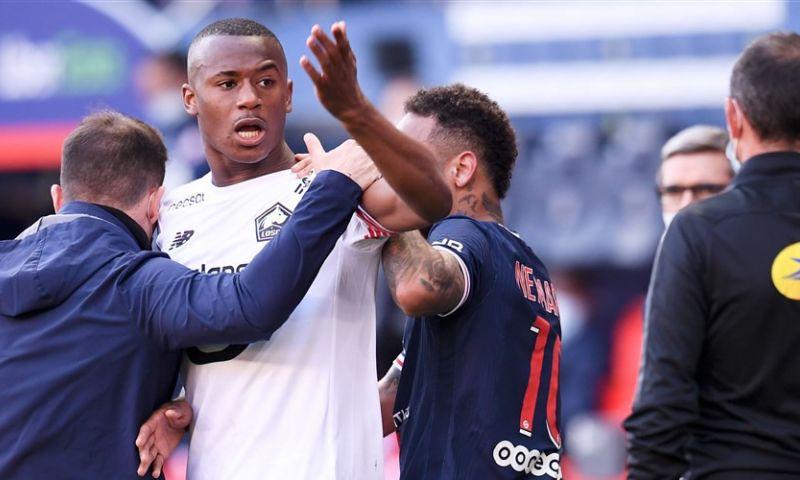 Afbeelding: Onrust bij Lille: teamgenoten ruziën en krijgen rood, bijzonder gebaar Kortrijk