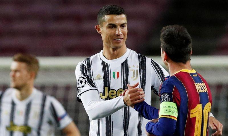 Afbeelding: AS ontdekt print van Ronaldo-nieuwsbericht in kleedkamerfoto met Koeman