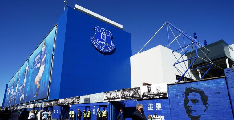 Mirror pakt uit met vermeend misbruikschandaal, Everton zet speler op non-actief