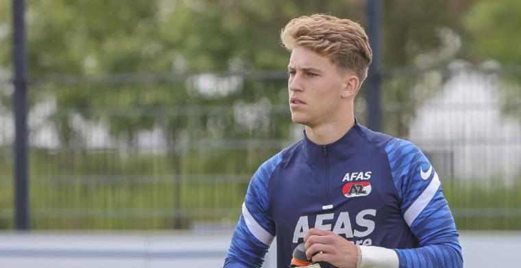 AZ legt Reus (19) tot 2023 vast: 'Afgelopen seizoen bijzondere dingen meegemaakt'