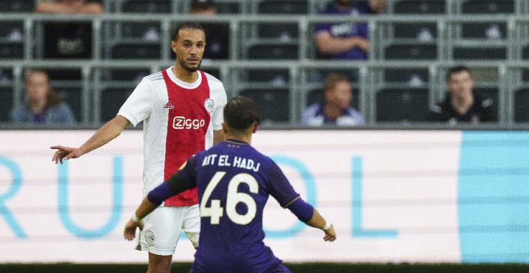 Mazraoui: 'We zijn nog steeds in gesprek met Ajax, kijken wat eruit rolt'