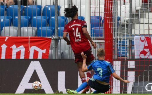 Afbeelding: Buitenspel: Zirkzee haalt dag na Ajax-misser Instagram-posts offline