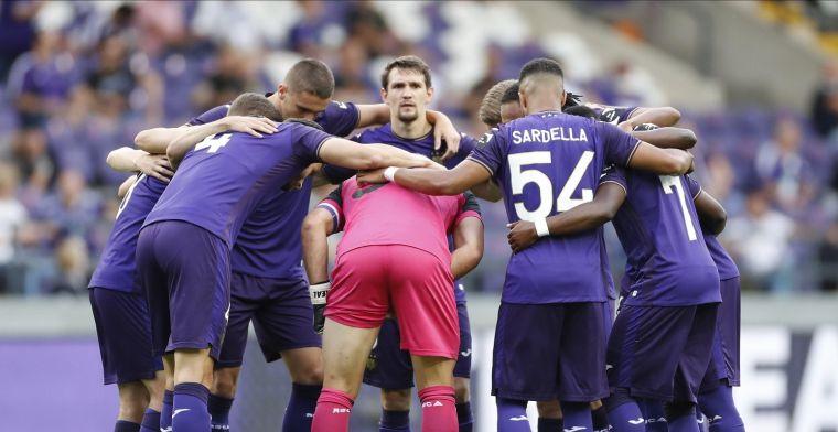 Fans van Anderlecht kunnen het niet meer aanzien: 'Pak hem eraf!'