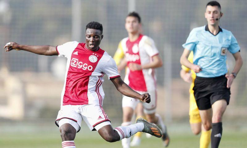 Afbeelding: Bandé (ex-KV Mechelen) bij Ajax volledig uit beeld verdwenen: 'Geen contact'