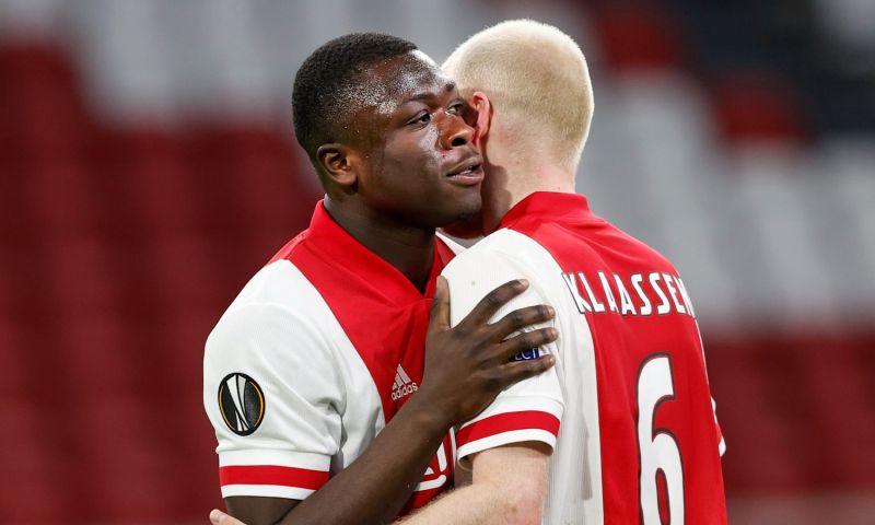 Afbeelding: Brobbey kreeg bezoek in Amsterdam: 'Vlammende toespraken, verstand van voetbal'
