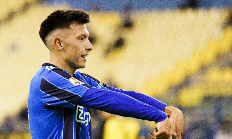 Afbeelding: Overmars wil Martínez belonen bij Ajax: