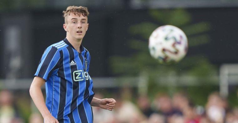 'Nieuw' gezicht op Ajax-trainingskamp: 'Ik kan genieten van de tackles van Nico'