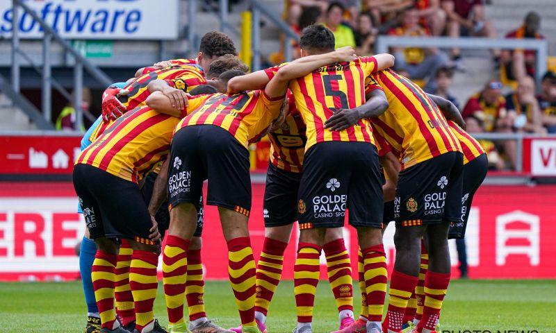 Afbeelding: KV Mechelen geeft drie jongelingen nieuw contract en leent hen meteen uit