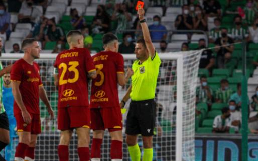 Afbeelding: Drie rode kaarten en weggestuurde Mourinho: Real Betis - AS Roma loopt uit de hand