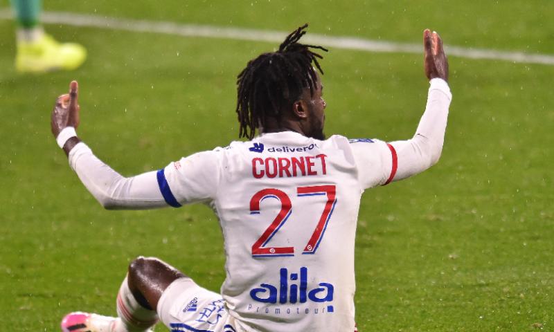 Afbeelding: 'Lyon verdient 17 miljoen aan linksback en heeft Azmoun binnen'