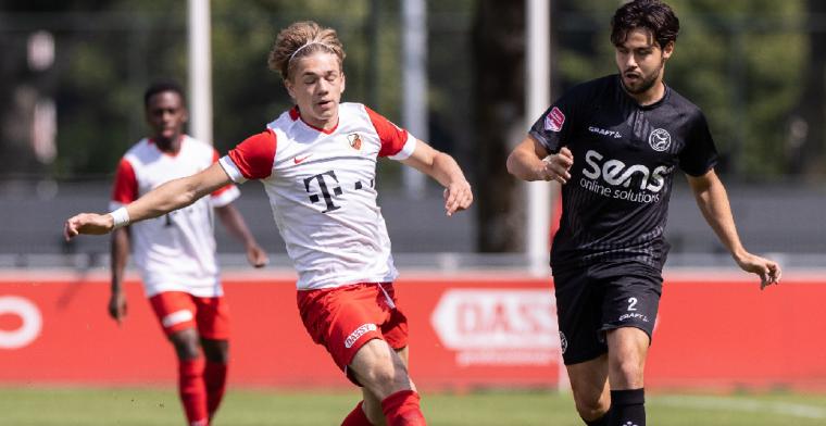 FC Utrecht bindt veelbelovend talent: 'Fijn om vertrouwen van de club te krijgen'