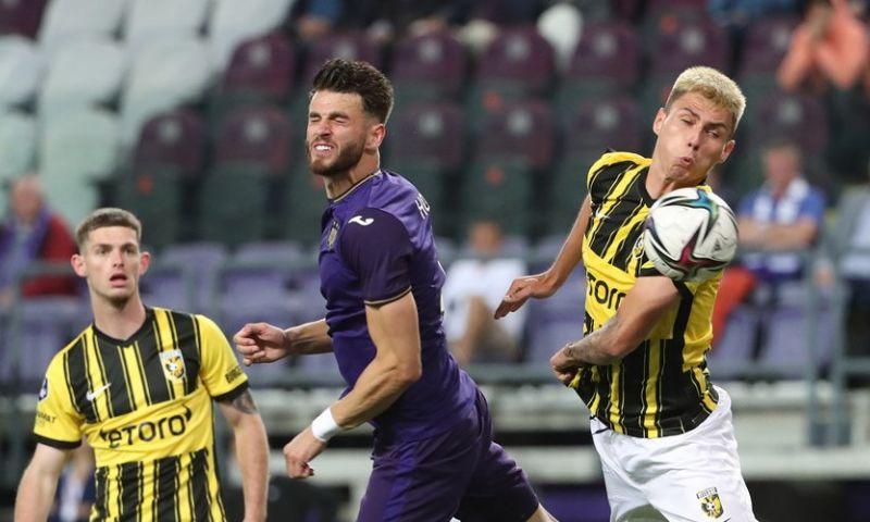 Afbeelding: 'Foutjes typisch voor Nederlanders, ze denken voetbal uitgevonden te hebben'