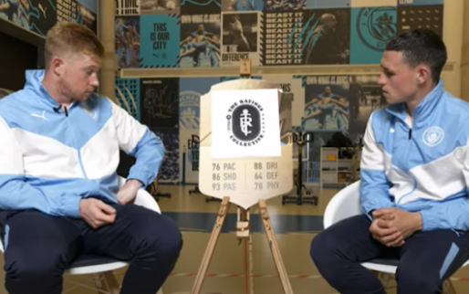 """De Bruyne ontdekt zijn FIFA 22-kaart: """"Euhm, 76 snelheid?"""""""