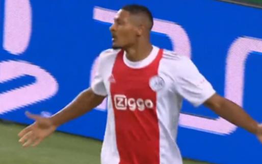 GOAL: VAR helpt Ajax een handje, Haller maakt zijn derde