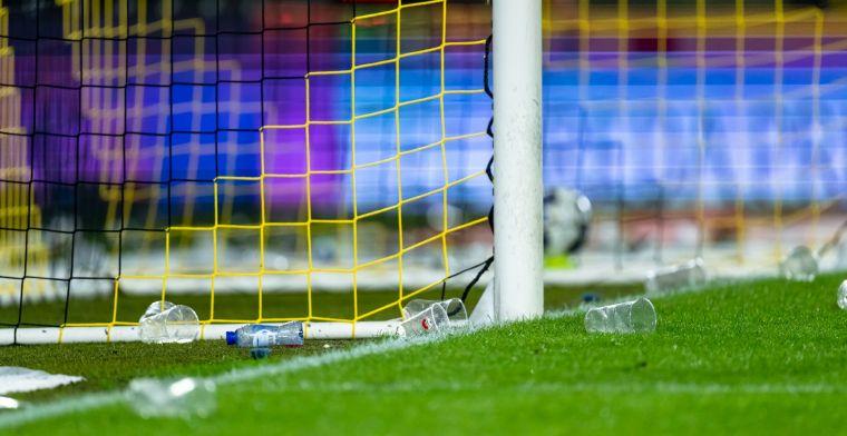 Oproep aan fans in stadion na ongeregeldheden: 'Gooien met spullen moet stoppen'
