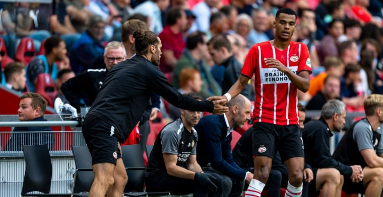 Gakpo reageert op bekritiseerde wissel tijdens PSV - Feyenoord: 'Ik snap het'