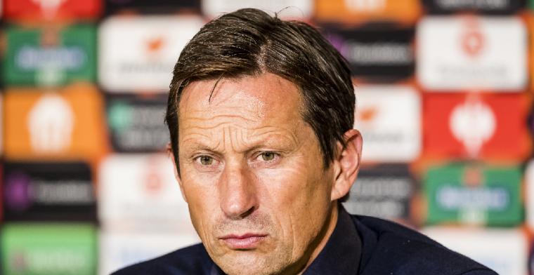 PSV-trainer Schmidt verklaart verrassende opstelling tegen Feyenoord