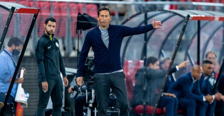Schmidt verrast door fluitconcert PSV-fans aan zijn adres: 'Het verbaasde me, ja'