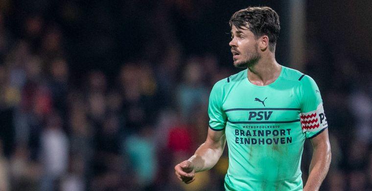 Schmidt 'duidelijk' voor PSV-spelers: 'Jullie kennen mijn verleden met mijn knie'