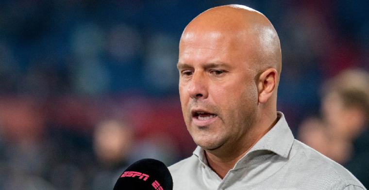 Feyenoord-trainer Slot komt vrijdag met nieuwe update over Reiss Nelson