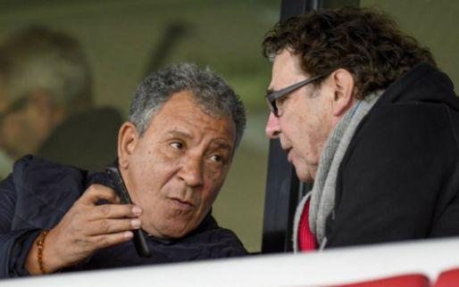 Van Hanegem ziet 'totale bende' bij PSV en oordeelt hard: 'Nou nou, het is wat hè'