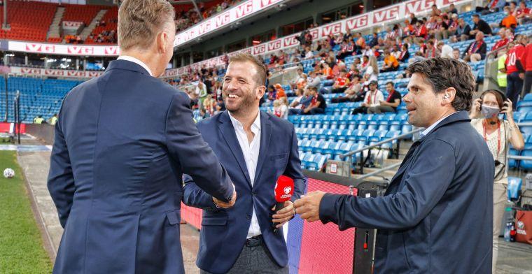 Van der Vaart boos: 'Hij staat daar als Oranje-international, niet als Ajacied'