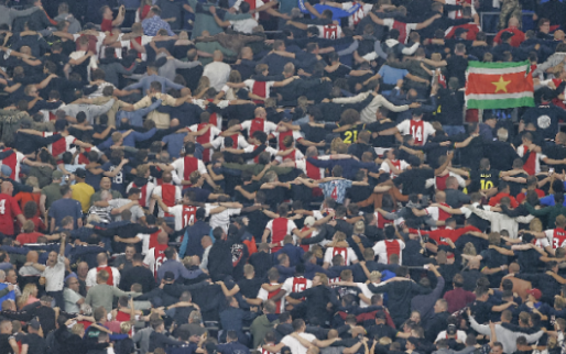 Ajax grijpt hard in en deelt stadionverbod en boete uit aan 25 'supporters'