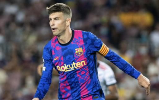 GOAL: Piqué knalt Barcelona op voorsprong met onhoudbare volley